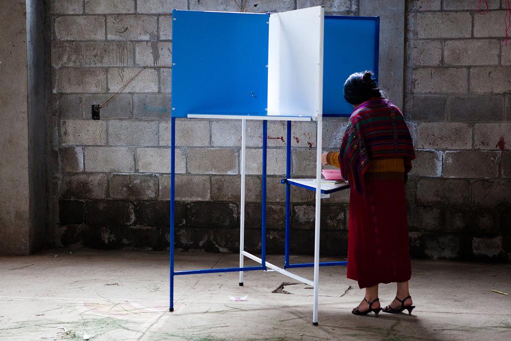 AKB総選挙 1人で1770票入れるつわものが登場!
