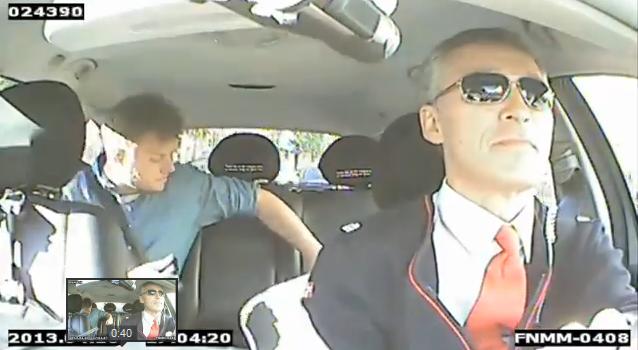ノルウェー首相が国民の本音を探るためにタクシー運転手に変装