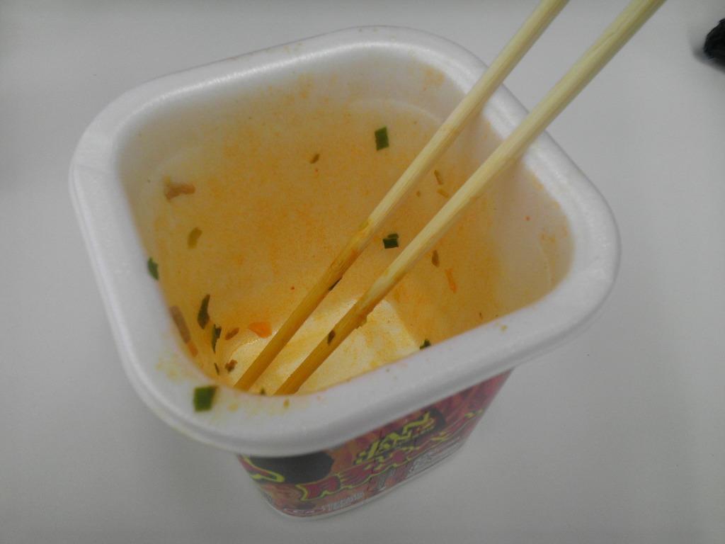 IMAG0084 JANJAN焼そば コンビニ限定「豚キムチ味」を食べてみた!