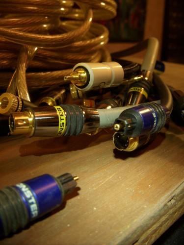 monster_cable-375x500 モンスターケーブルをゲットしたので交換してみた